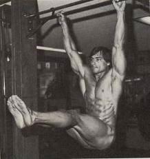 arnold-leg-lifts